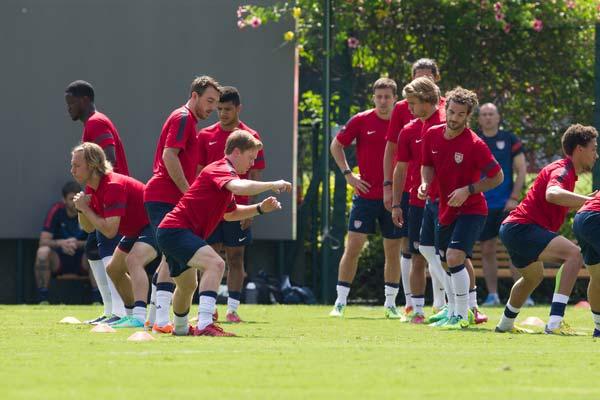 usmnt practice soccer players