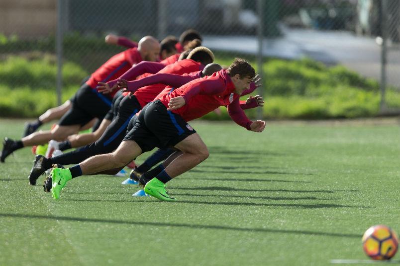 usmnt-training-running-january-2017-camp-carson-soccer