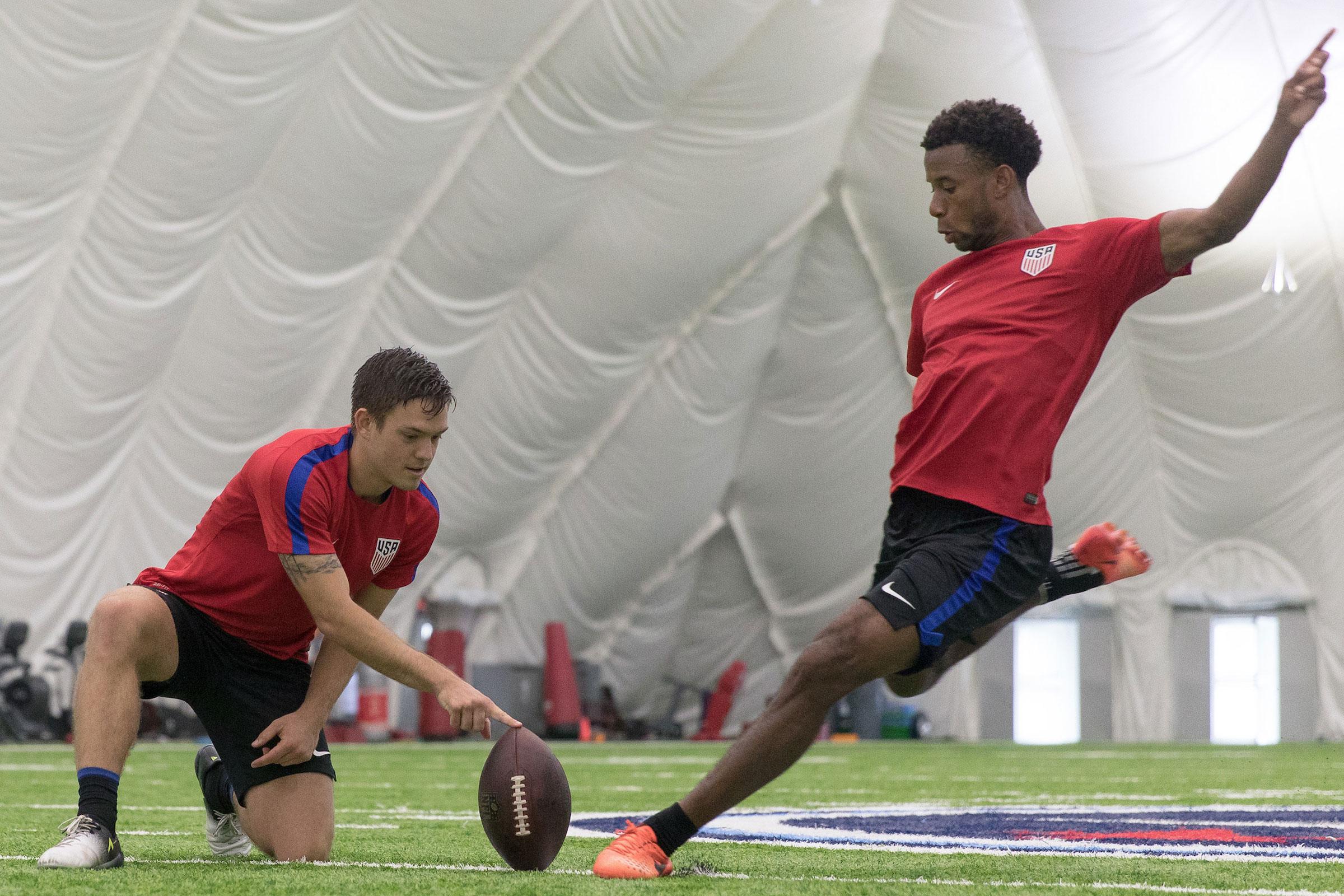 usmnt-football-kelyn-rowe-kellyn-acosta-training
