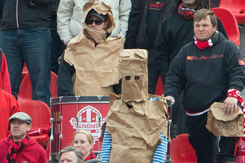 toronto-fc-fans-bags